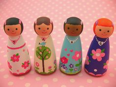 Design your own wood doll playset Wood Peg Dolls, Clothespin Dolls, Jar Art, Tiny Dolls, Wooden Pegs, Kokeshi Dolls, Waldorf Dolls, Felt Dolls, Diy Toys