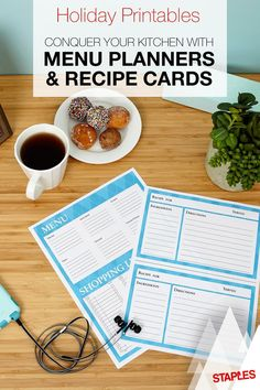 Organize and plan more this holiday with this free holiday sweater themed printable menu, recipe cards and shopping lists.