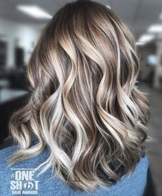 35 Balayage Hair Color Ideas for Brunettes in The French hair coloring tec. - - 35 Balayage Hair Color Ideas for Brunettes in The French hair coloring technique: Balayage. These 35 balayage hair color ideas for brunettes in . Hair Color And Cut, Cool Hair Color, Hair Color 2018, Beautiful Hair Color, Hair Color Balayage, Ombre Hair, Bayalage, Balayage Hair Blonde Medium, New Hair
