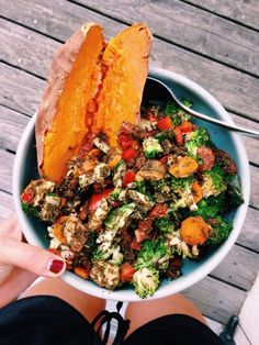 ometimes baked veggies are so yummy! As long as we are having plenty of raw greens and veggies every day, it is okay to have some baked vegetables in the mix. It's time to check out my East-West Baked Vegetables. Vegetable Recipes, Vegetarian Recipes, Healthy Recipes, Vegan Meals, Diet Recipes, Vegetable Bake, Vegetarian Bowl, Easy Recipes, Recipes Dinner