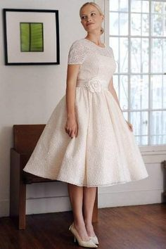wedding dresses for short plus sized