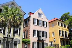 Discover the hottest attractions in Charleston, South Carolina. If you're a first time visitor, soak in the iconic sites of this gorgeous southern city!