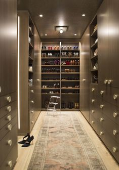 A master Closet with floor-to-ceiling shoe storage Shoe Storage Design, Bench With Shoe Storage, Walking Closet, Dressing Room Design, Dressing Rooms, Dressing Area, Affordable Storage, Small Closets, Dream Closets