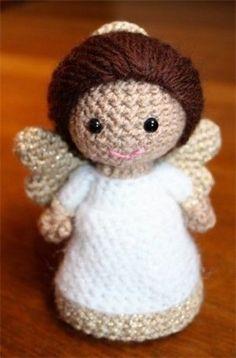 Beautiful Crochet Angel - Free Pattern/ isn't she sweet? Crochet Gratis, Crochet Amigurumi, Cute Crochet, Amigurumi Doll, Amigurumi Patterns, Crochet Dolls, Knit Crochet, Knitting Patterns, Crochet Patterns