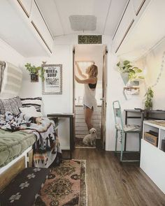 Marvelous 17 Ideas of RV Home You Will Definitely Love https://decoratio.co/2018/01/12/rv-home/ Best RV or camper is the one that can make you feel like home when you come into it. Therefore, it is always a great idea to decorate an RV home for yourself.