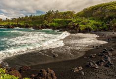 we didn't get to see the black sand beach on the road to hana but god willing we will next december :)