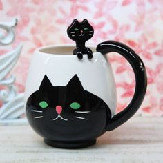 I would have to have these in my dream kitchen. Heck, I want them now for my regular kitchen! So cute <3