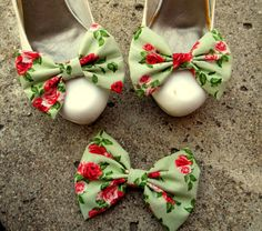 Vintage Style Fabric Shoe Clips Matching Hair by ShoeClipsOnly