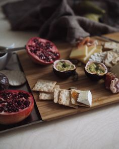 #cheese #cheeseplate #juustotarjotin #leikkuulauta #cuttingboard #bambu  #foodinspiration Cheese Platters, Food Inspiration, Cutting Board, Cheese Plates, Cutting Tables, Cutting Boards