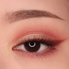 asian makeup – Hair and beauty tips, tricks and tutorials Makeup Eye Looks, Cute Makeup, Glam Makeup, Pretty Makeup, Makeup Inspo, Eyeshadow Makeup, Makeup Art, Makeup Inspiration, Beauty Makeup