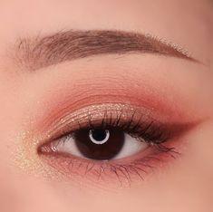 asian makeup – Hair and beauty tips, tricks and tutorials Makeup Eye Looks, Eye Makeup Art, Cute Makeup, Makeup Inspo, Eyeshadow Makeup, Makeup Inspiration, Beauty Makeup, Asian Makeup Looks, Monolid Makeup