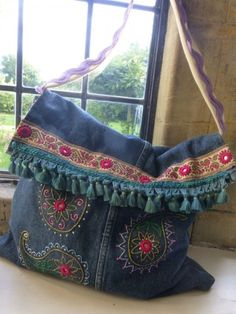Recycle your jeans and create this fabulous bag--Tutorial