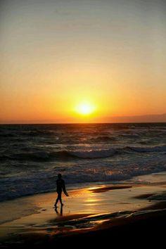 Shitiri-ga-hama beach, Kamakura, Japan 鎌倉 七里ヶ浜と夕日