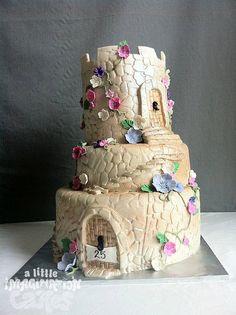 castle by A Little Imagination Cakes, via Flickr