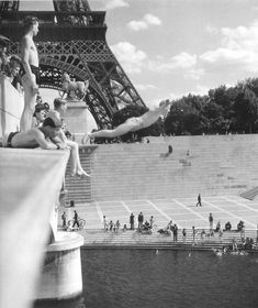 1940s, by the Eiffel Tower