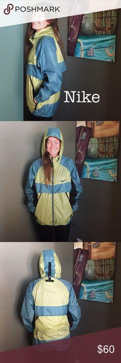 Nike rainjacket Nike rain jacket. WAter resistant, no flaws, worn a few times. Supper good condition! Nike Jackets & Coats Utility Jackets