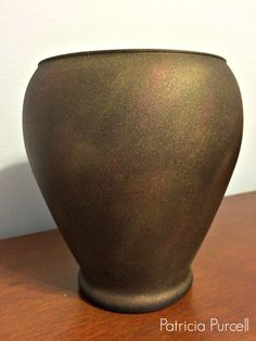 Patricia Purcell shares how she transformed a vase using pearl ex powder pigments! The end result is stunning!