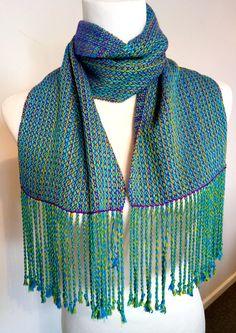 Kelly Casanova: Cutting handwoven cloth, one method Inkle Weaving, Inkle Loom, Hand Weaving, Weaving Art, Weaving Projects, Art Projects, Straight Stitch, Weaving Patterns, Tapestry Weaving