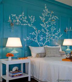 Дерево сакуры на стене фото