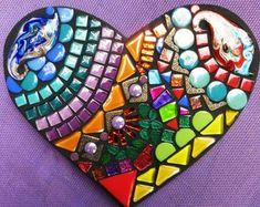 Custom mosaic heart by Tina @ Wise Crackin' Mosaics Custom Stained Glass, Stained Glass Art, Mosaic Glass, Mosaic Crafts, Mosaic Projects, Mosaic Ideas, Mosaic Diy, Beading Projects, Art Projects