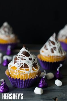 The perfect cupcake topper to get your treats ready for Halloween!