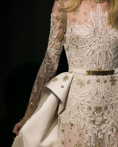 Imperial white & hints of embroidered gold | ELIE SAAB Haute Couture Autumn Winter 2017-18 backstage details #ATaleOfFallenKings