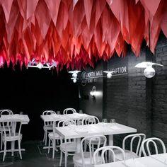Acentos de color en el techo