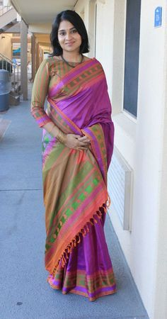 Magnificent Purple, Pink, Green, and Orange Handloom Saree Saree Blouse Patterns, Saree Blouse Designs, Traditional Sarees, Traditional Dresses, Indian Dresses, Indian Outfits, Indische Sarees, Saree Models, Simple Sarees