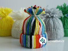 návod jak vyrobit čepičky na vánoční stromeček Pom Pom Crafts, Crafts For Kids, November, Winter Hats, Crafts For Children, November Born, Kids Arts And Crafts, Kid Crafts, Craft Kids