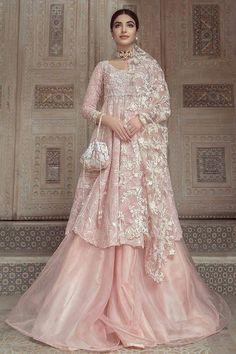 Indian Bridal Fashion, Indian Fashion Dresses, Indian Designer Outfits, Designer Dresses, Hijab Fashion, Pakistani Wedding Outfits, Pakistani Wedding Dresses, Pakistani Dress Design, Wedding Lehnga