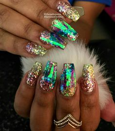 Glowing Irredesicient Nail Art/Design Ideas