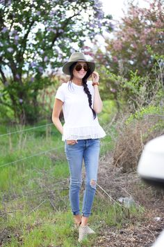 Tee:Kate Spade| Jeans:Rag and Bone| Booties:Jeffery Campbell| Hat:Rag and Bone| Glasses: Celine | Lips:Boldly BareLiner andSnobby MAC … A simple, cute and casual look I wore on day two of our road trip to see the tulip festival in Washington! Have a wonderful weekend!!! xo, Rach