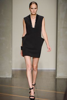 Gianfranco Ferré Spring 2013 Ready-to-Wear Fashion Show - Alla Kostromichova