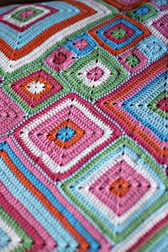 fun crochet pattern but the single stitch makes this look kind of tedious