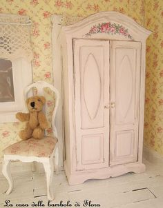 Miniature  Pale Pink Princess wardrobe