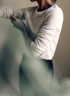 the white long sleeve tee