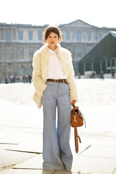 #streetstyle #style #streetfashion #fashion #wide #leg #pant #trouser white shirt, large pants and fur coat, winter style