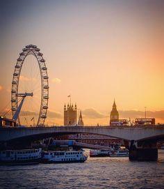 ✨ Tagg Your Travel Buddy! London Photography, Travel Photography, Colorado National Parks, London Dreams, Waterloo Bridge, Winter Sunset, Destinations, London Bridge, London City