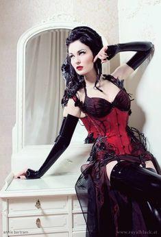 http://pinup-fashion.de/5693/royal-black-extravagante-korsetts-aus-osterreich/