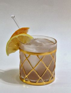 the dry dock cocktail: gin, cardamom bitters, lavender simple syrup, club soda, grapefruit and lemon via MINT LOVE SOCIAL CLUB
