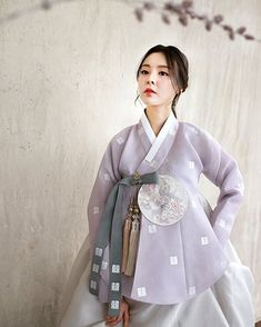 Korean Traditional Clothes, Traditional Fashion, Traditional Dresses, Korea Fashion, Kpop Fashion, Hanbok Wedding, Korea Dress, Korean Hanbok, Korean Outfits
