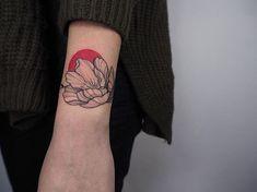 𝙏𝙧𝙖𝙣𝙨𝙥𝙞𝙘𝙚 可愛い Tattoos And Body Art tattoo piercing places Tattoo On, Tattoo Outline, Piercing Tattoo, Neue Tattoos, Body Art Tattoos, Tatoos, Tattoos For Women Small, Small Tattoos, Best Tattoo Ever