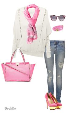 I wear a lot of sweaters in spring.And in the spring and goes well with the pink.