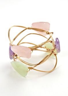 Bracelet!  Love this.  It's so cute!