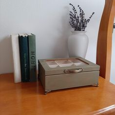 Wooden box with rustic gold metal detailing. Tea Box, Wooden Jewelry, Jewellery Box, Floating Nightstand, Wooden Boxes, Marketing And Advertising, Create Yourself, Lovers, Rustic