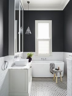 Get Inspired with 20 Luxury Black and White Bathroom Design Ideas Stunning Black and White Subway Tiles Bathroom Design Bathroom Tile Designs, Bathroom Colors, Bathroom Interior Design, Bathroom Ideas, Restroom Design, Bathroom Trends, Budget Bathroom, Bathroom Organization, Bad Inspiration