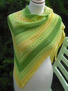 Ravelry: Melon Sorbet pattern by Halbe Prinzessin. These colors are fantastic!!! And it is well named.