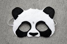 Fühlte mich Panda Maske / Heirloom Qualität Tier von PLAYPARADE, $24.00