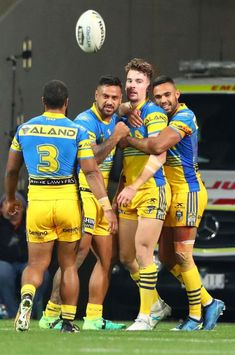 Clinton Gutherson of the Parramatta Eels Hot Rugby Players, Australian Football, Rugby Men, Beefy Men, Soccer Boys, Rugby League, Men In Uniform, Athletic Men, Sport Man