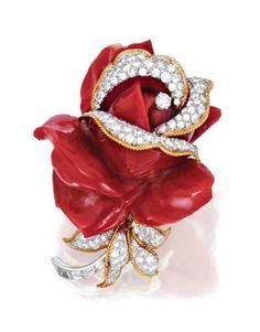 18 KARAT GOLD, PLATINUM, CORAL AND DIAMOND 'FLOWER' BROOCH, DAVID WEBB - Sotheby's